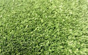 sztuczna trawa fibrylowana o gęstości ponad 100 000 włókien/m2